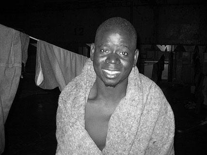 Mohammed Yussif kurz nach seiner Rettung am 20. Juni 2004