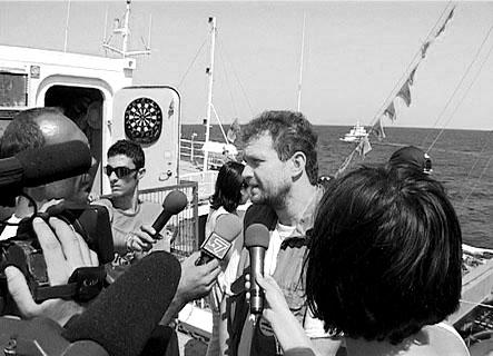 Über die italienischen Medien treten wir den Lügen entgegen, die von  Regierungsseite über uns verbreitet werden.