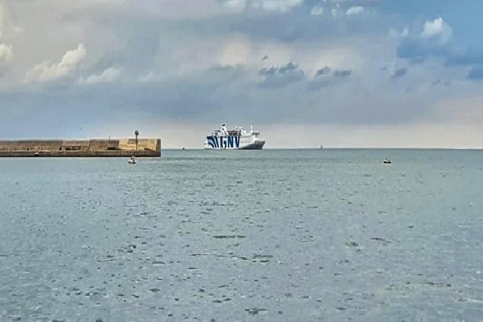 Die Problematik der Quarantäne-Schiffe für Migrant*innen: Analyse und Forderungen